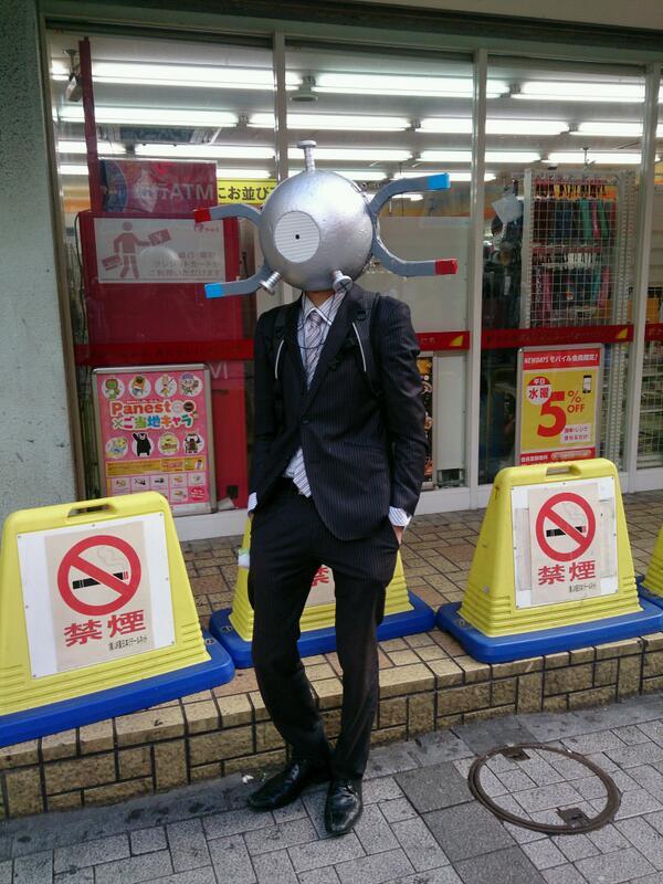 意外と似合う! 秋葉原のコンビニ前で遭遇した『ポケットモンスター』のコイルがかっこいい(笑)【面白画像】otacos_0014