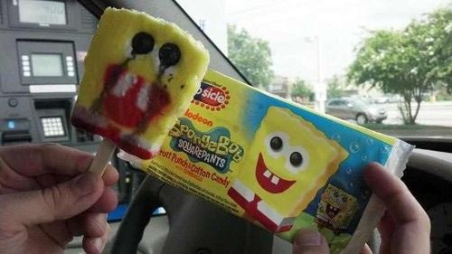 【溶けるアイスおもしろ画像】アメリカの人気テレビアニメ『スポンジ・ボブ』のアイスキャンディーがホラー(笑)