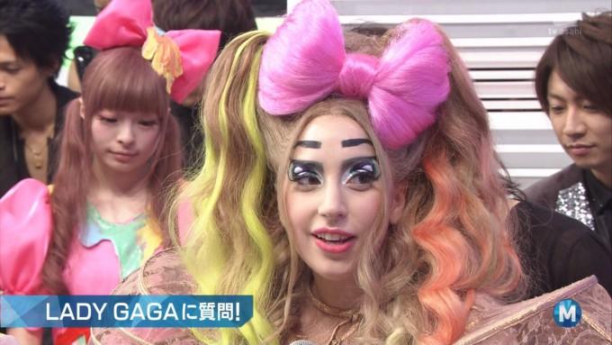 面白画像 『ミュージックステーション』で「きゃりーぱみゅぱみゅ」と一緒に出演した時のレディー・ガガの衣装(笑)talent_0026