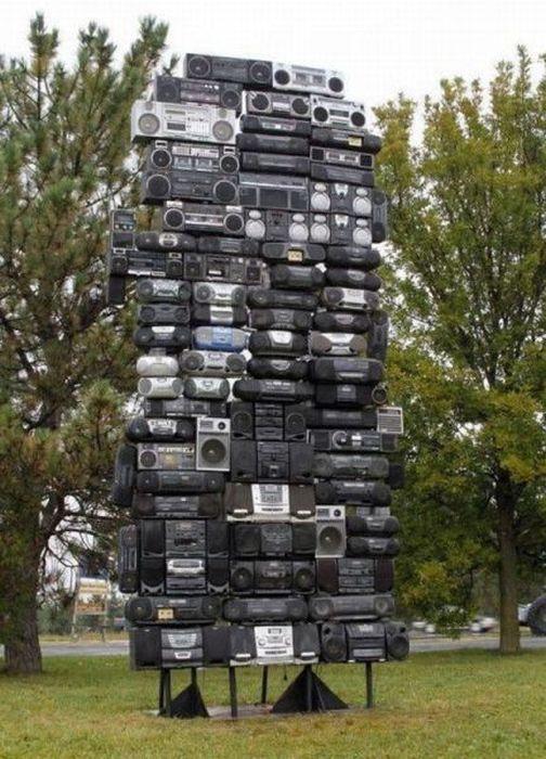 面白画像 ステレオをたくさん積み上げて作った「ステレオタワー」が凄すぎます(笑)foreign_0024