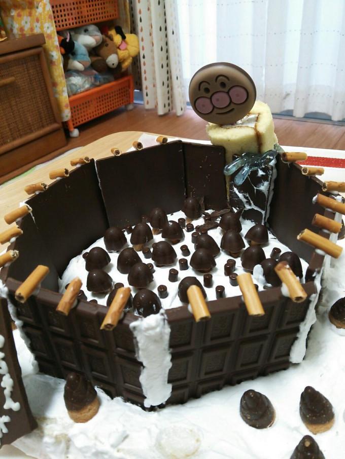 面白画像 お菓子で再現した『進撃の巨人』の光景が破壊力抜群(笑)animanga_0045