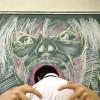 進撃の巨人ごっこ! 黒板に描かれた巨人に喰われそう(笑)
