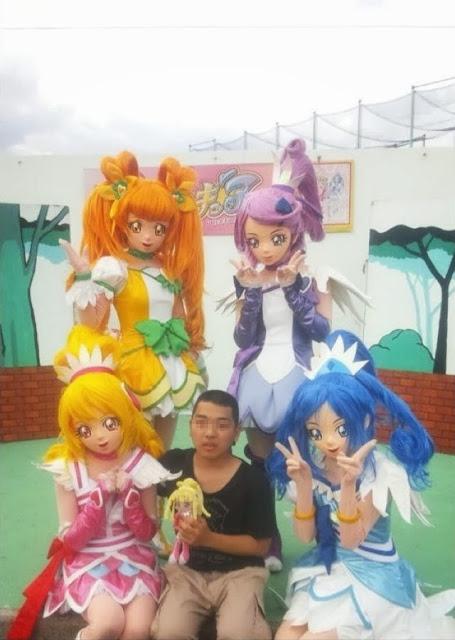 面白画像 『ドキドキ!プリキュア』のプリキュアショーの記念撮影が怖すぎます(笑)otacos_0026
