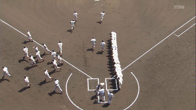 【テレビの野球おもしろ画像】礼知らず! 高校野球の放送で「お互いに礼!」のシーンが切ないです(笑)