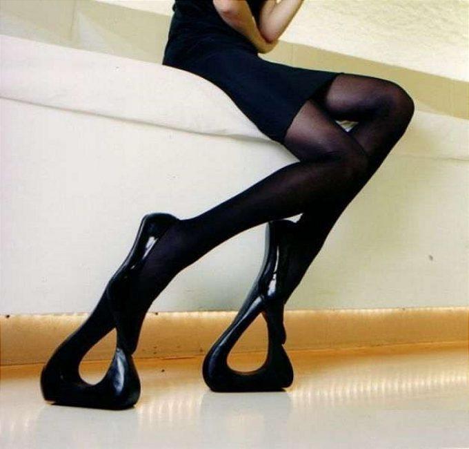 おもしろファッション画像異常に足を長く見せる近未来的なデザインのハイヒール(笑)beauty_0053