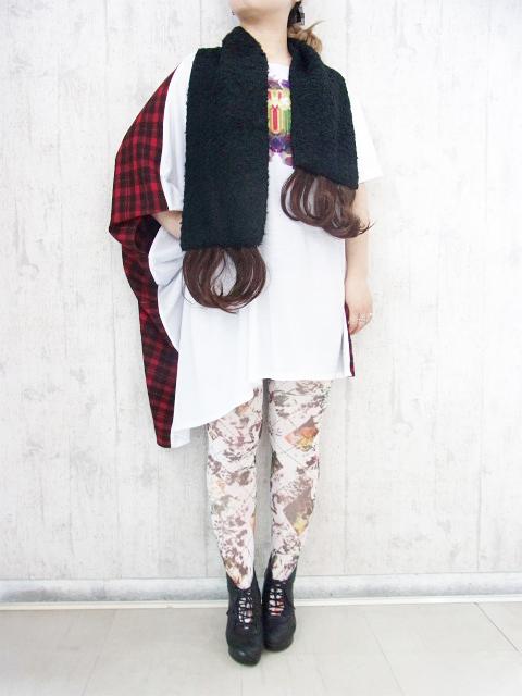 おもしろファッション画像ロングじゃない女性でもロングに見せられるエクステ付きマフラー(笑)beauty_0061