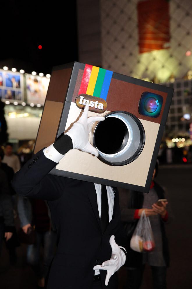 ハロウィン面白画像 カシャ! スマホ画面でよく目にする『インスタグラム』のアイコン仮装を渋谷ハロウィンで発見(笑)helloween_0017