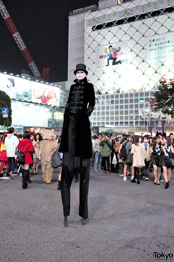 ハロウィン面白画像 でか! 普通の人の身長の2倍はあるであろうハロウィン仮装が2014渋谷に登場(笑)helloween_0025_03