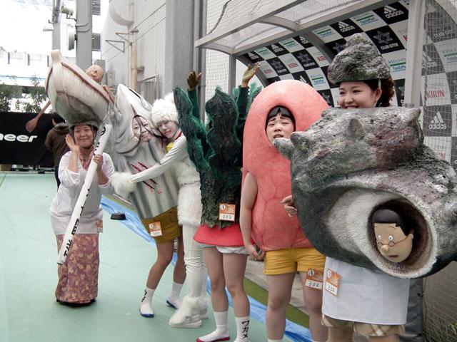 ハロウィン面白画像 リアル再現! 『KAWASAKI Halloween 2013』優勝のリアル磯野家(笑)helloween_0029_01