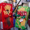 バトル! 川崎ハロウィン2013でポッキーvsプリッツサラダの熱いバトルが勃発(笑)