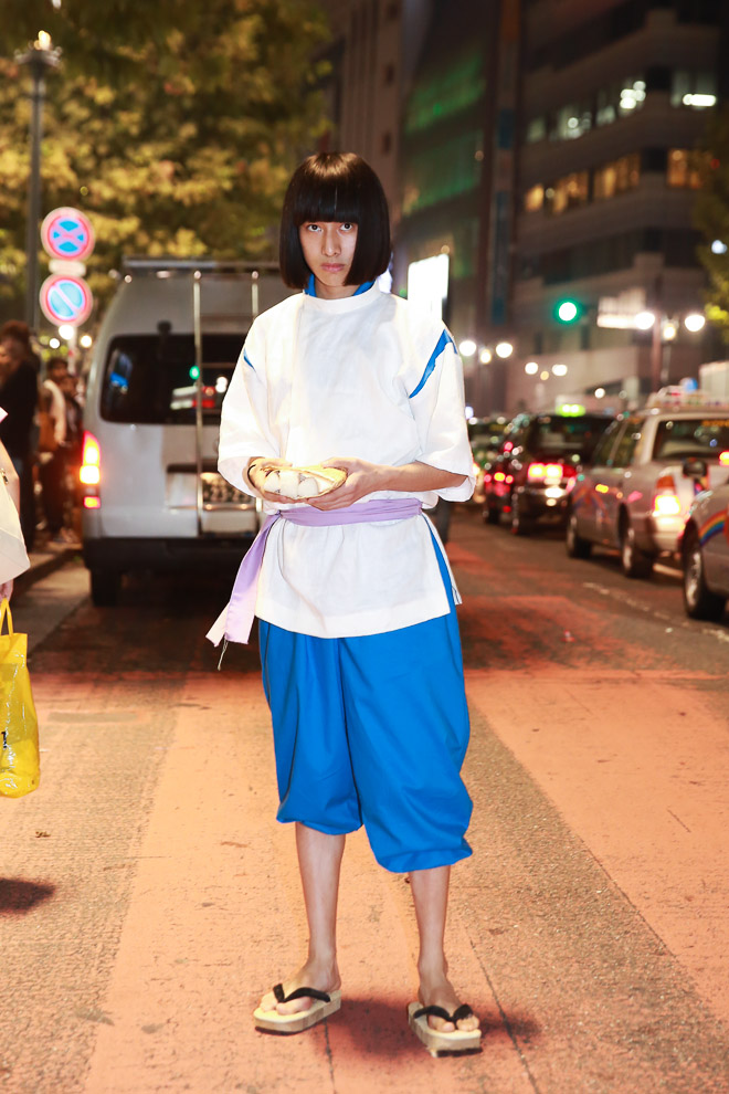 ハロウィン面白画像 千尋に会いに? 人間の姿に戻った『千と千尋の神隠し』のハクが渋谷ハロウィンに現れる(笑)helloween_0043