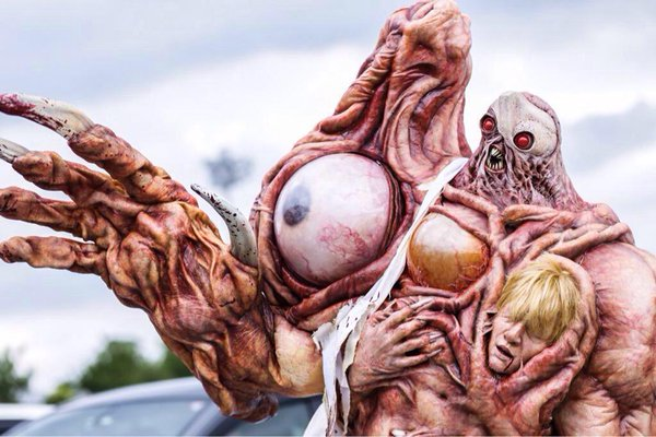 【川崎ハロウィンおもしろ仮装画像】カワサキハロウィン2015に『バイオハザード2』のウィリアムバーキン(G第二形態)の仮装が登場(笑)
