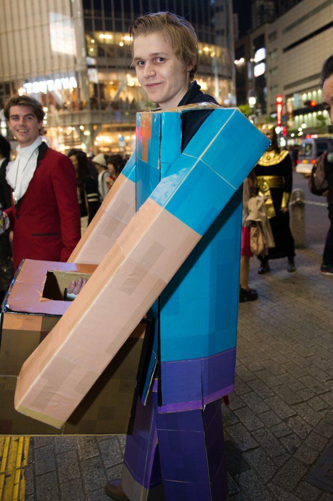 面白画像 ロボット? 渋谷ハロウィン2015で見かけた外国人の仮装がなんか雑(笑)helloween_0070