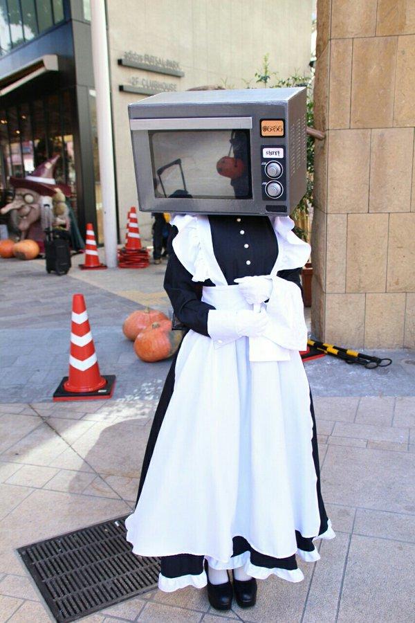 面白画像 カワハロ2015で見かけた電子レンジの頭をもつメイド仮装がシュールすぎます(笑)helloween_0071
