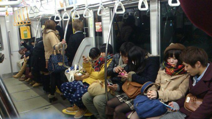 クリスマスおもしろ画像 カップル専用? クリスマスの電車がカップル専用かと思うほどのカップル率(笑)christmas_0016
