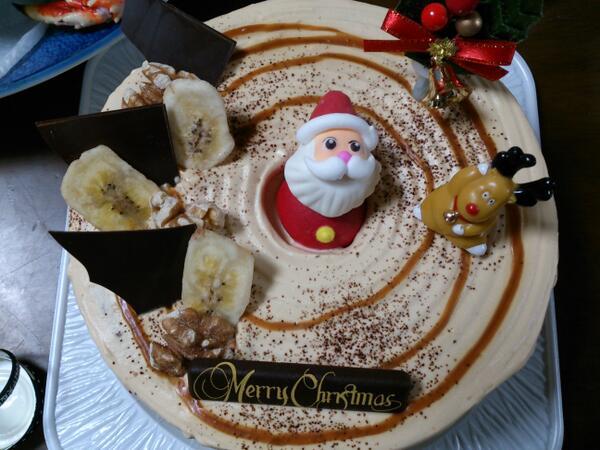 クリスマスおもしろ画像 沼! 母親が買ってきたクリスマスケーキのサンタが混沌の渦に巻き込まれている(笑)christmas_0019