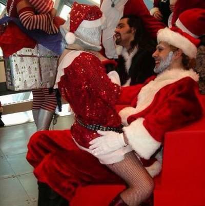 クリスマスおもしろ画像 セクシーサンタとイチャイチャして仕事をしないサンタ(笑)christmas_0045
