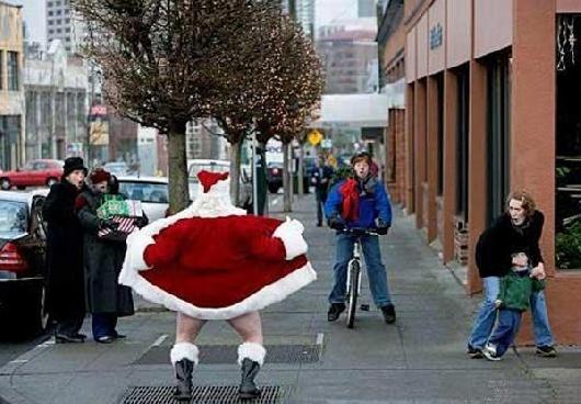 クリスマスおもしろ画像 クリスマス街中に現れた変質者サンタ(笑)christmas_0048