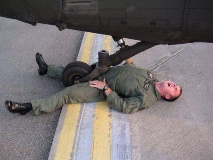 海外面白画像 平和! 海外の軍兵士たちがふざけて撮影した写真が自由すぎます(笑)foreign_0045