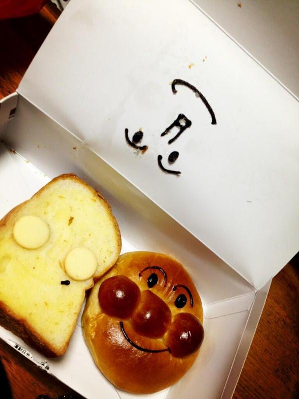 面白画像 悲惨! 『ジャムおじさんのパン工場』で買ってきた「しょくぱんまん」のパンが悲惨なことに(笑)food_0047