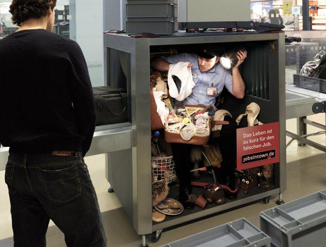 海外面白画像 中の人は大変! ドイツの求人サイト『jobsintown.de』広告が面白い発想(笑)