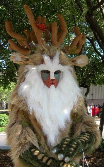 面白画像 『もののけ姫』に登場する鹿のような動物「シシ神」のコスプレが怖すぎます(笑)otacos_0053