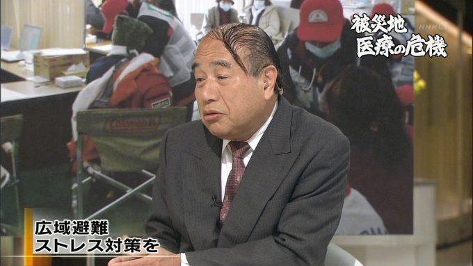 テレビ面白画像 いま何が必要か! NHKに登場した山本保博先生の髪型(笑)tvmovie_0075_04