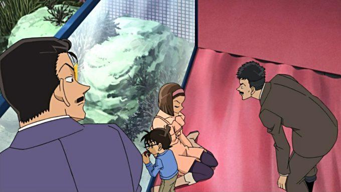 【名探偵コナンおもしろ画像】推理中のコナンの隠れ方が雑すぎてバレてるおもしろまとめ(笑)