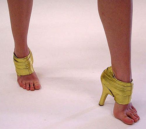 もはや履く意味なし! ネットで見つけたソールのない裸足同然の靴(笑)beauty_0083