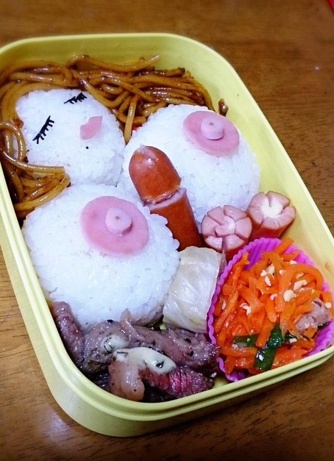 開けてビックリ! 食べるのに躊躇する妻の愛情たっぷりなお弁当(笑)hhh_0069