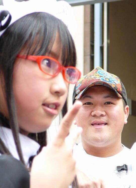 うへぇ! オタクがアイドルやコスプレイヤーを見て喜んでいる時の表情(笑)otacos_0090