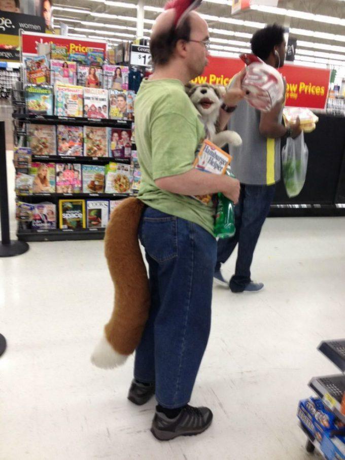思わず二度見! 世界最大のスーパーマーケット「ウォルマート」で見かけたオタク(笑)otacos_0111