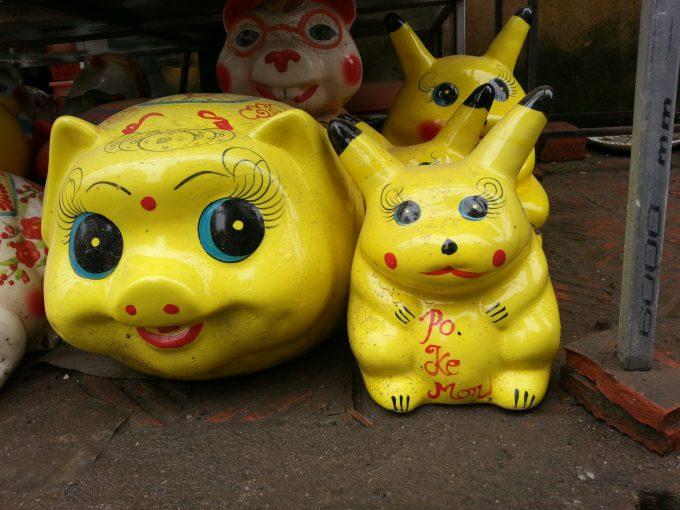 ピカ? ベトナムハノイの陶器店で見かけたパクりピカチュウのクオリティ(笑)foreign_0133