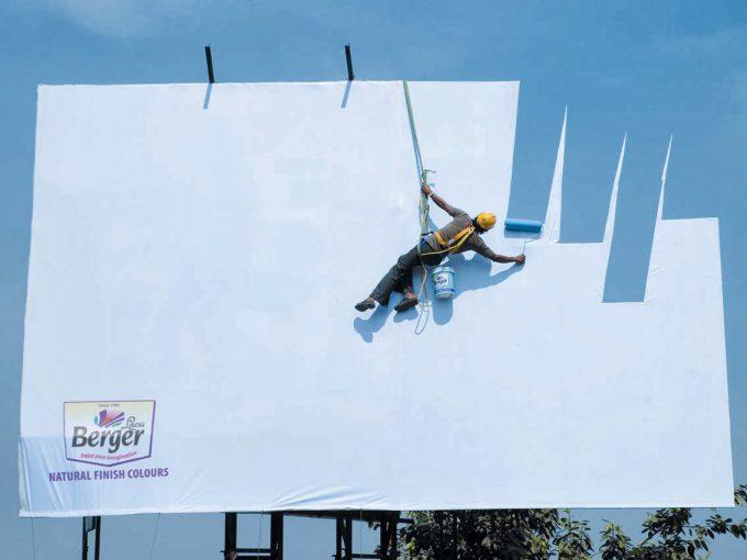空も再現! インドの塗料会社Berger Paintsの看板広告が凄すぎます(笑)adsign_0080