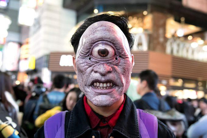 悲鳴を上げること間違いなし!ハロウィン渋谷で一つ目小僧に遭遇(笑)halloween_0110