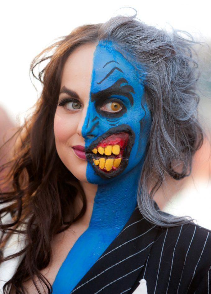 【海外ハロウィンおもしろメイク画像】キャー! 美しい女性が半分だけハロウィンメイクするハーフメイクに驚き(笑)halloween_0136