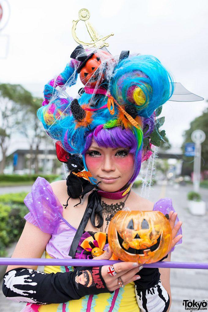 派手! 『VAMPSハロウィンパーティー2013』に参加する人の仮装がむっちゃカラフル(笑)halloween_0166