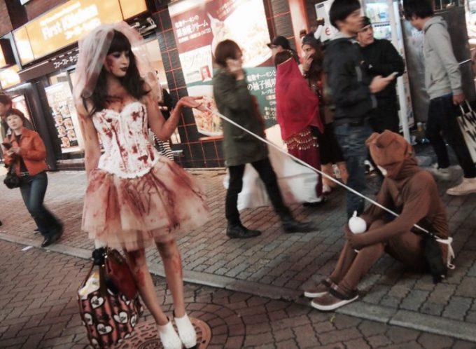 女王様! LINEのクマ「ブラウン」を従えるゾンビ花嫁を渋谷センター街で激写(笑)halloween_0170