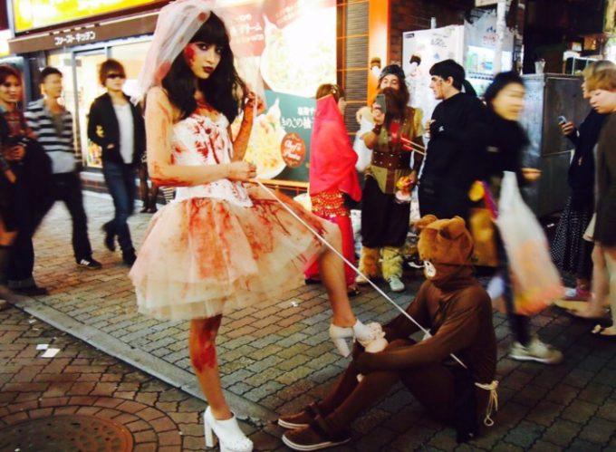 女王様! LINEのクマ「ブラウン」を従えるゾンビ花嫁を渋谷センター街で激写(笑)halloween_0170_01