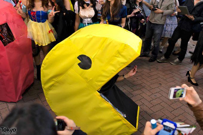 【渋谷ハロウィンおもしろ仮装画像】カオス! 渋谷センター街で『パックマン』ゲーム開始(笑)halloween_0171_01