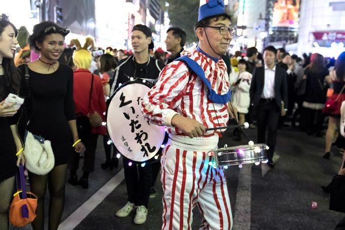 ここ大阪? ハロウィン渋谷に現れた「くいだおれ人形」(笑)halloween_0173