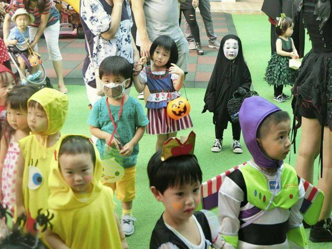 ガチ! ホーチミンの幼稚園ハロウィンパーティーで見かけた『千と千尋の神隠し』のカオナシ仮装(笑)halloween_0182_01