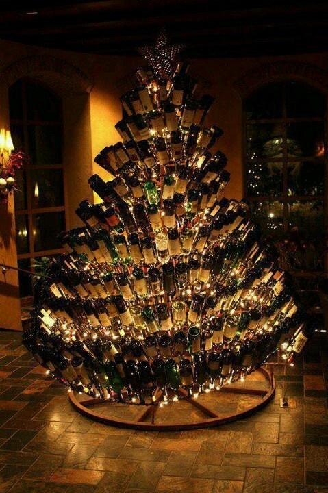 見とれちゃう! ワインボトルで作った美しすぎるクリスマスツリー(笑)christmas_0076
