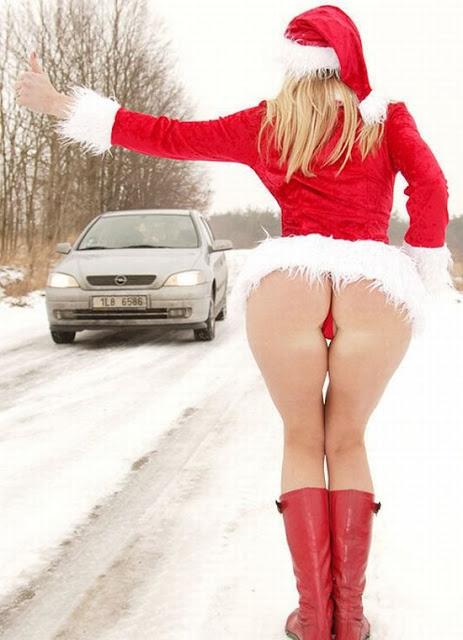 ヒッチハイク! 9割以上の男が車に乗せてちゃう魅力的なサンタ(笑)