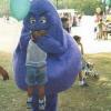 パクッ! マクドナルドキャラクター「グリマス」に食べられる子ども(笑)