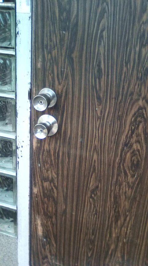 あれ? 家のドアノブが2つに見えるんだけど、これって幻覚?(笑)photo_0023