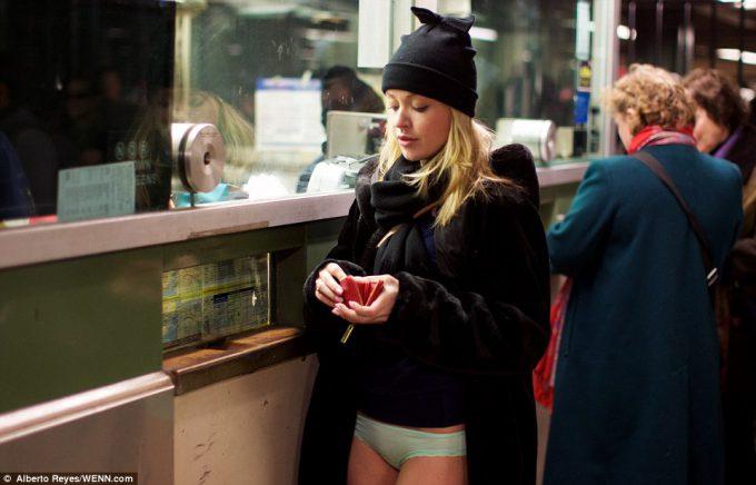 ノーパンツサブウェイライド(No Pants Subway Ride)foreign_0125_14