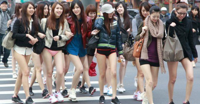 台湾のノーパンツサブウェイライドの模倣foreign_0125_19