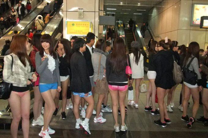 台湾のノーパンツサブウェイライドの模倣foreign_0125_25
