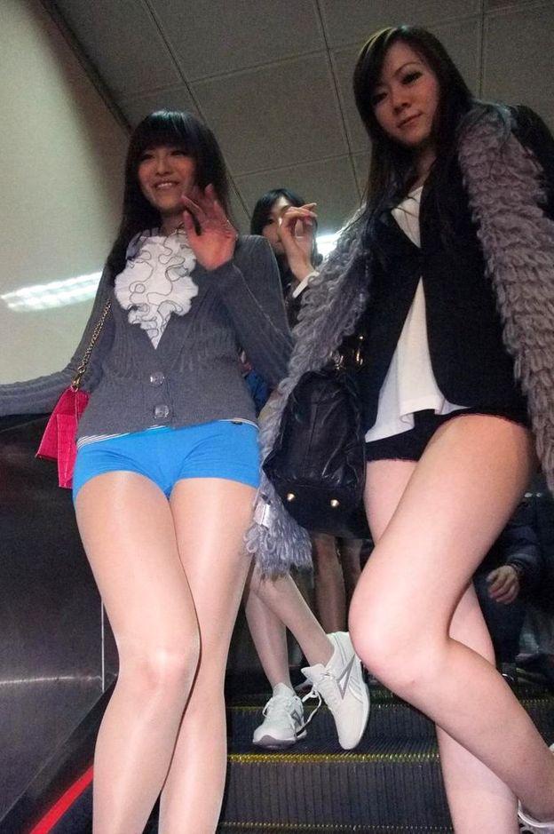 台湾のノーパンツサブウェイライドの模倣foreign_0125_27